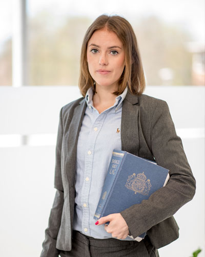 centrumadvokaterna-Ellinor-Gunn-bitradande-jurist-vaxjo-lagbok