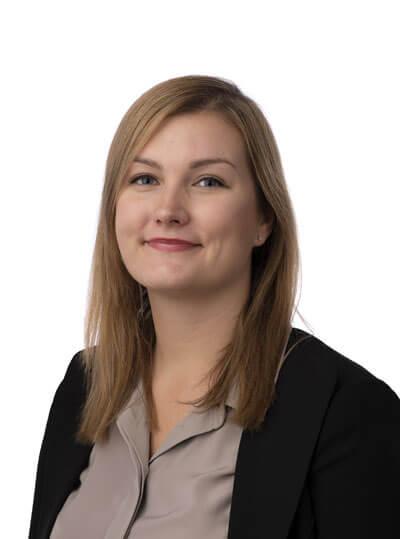 centrumadvokaterna-Emmy-Johansson-ekonomi-ansvarig-Olofstrom
