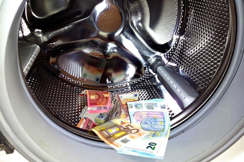 Centrumadvokaterna-Vad-ar-penningtvatt-ettpar-tips-om-hu-du-kan-undvika